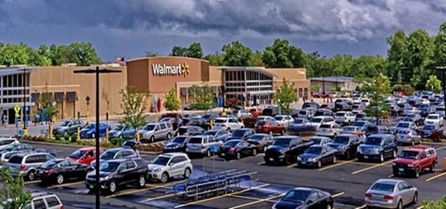 Walmart teams-up with SmileDirectClub to sell dental care products
